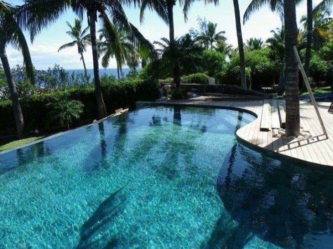 Reportage photos piscines de luxe et d 39 exception for Piscine reunion