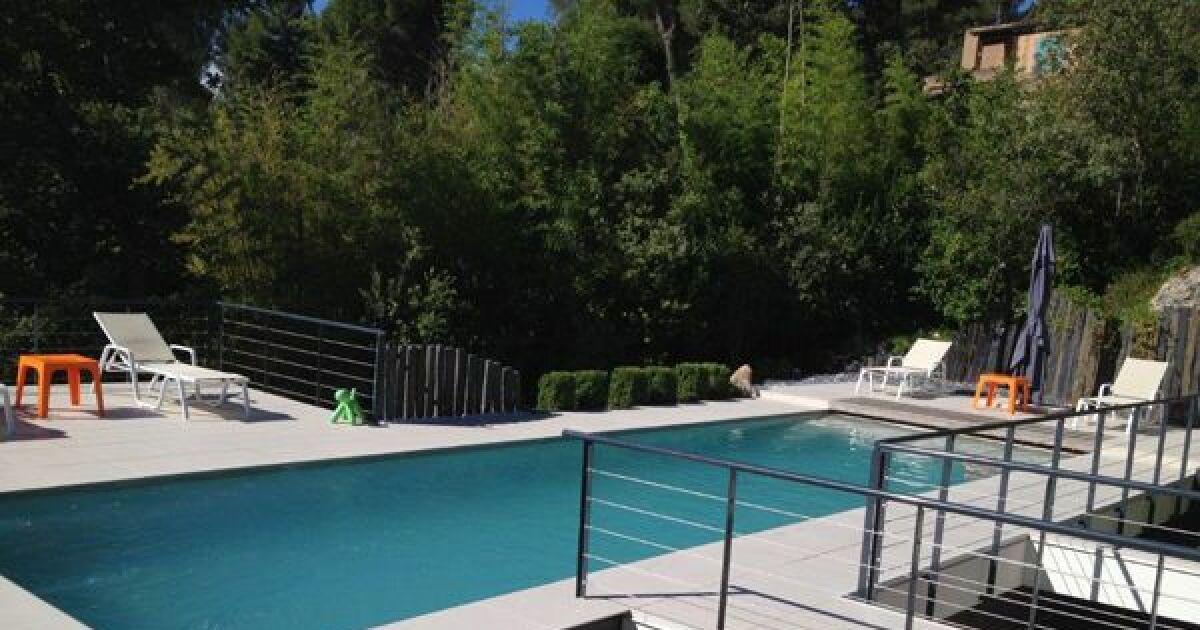 photos de piscines design quand les piscines deviennent des oeuvres d 39 art piscine marinal. Black Bedroom Furniture Sets. Home Design Ideas