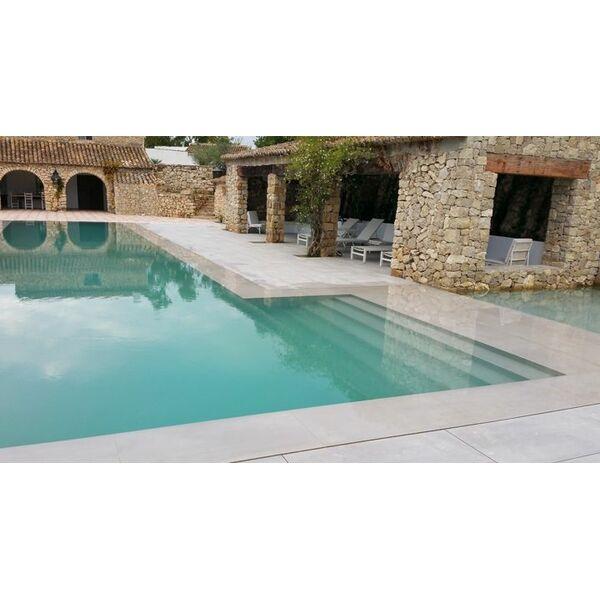 piscine miroir en l carr bleu piscine enterr e. Black Bedroom Furniture Sets. Home Design Ideas