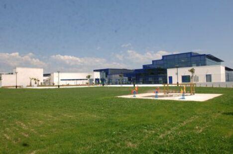 Le bâtiment de la piscine Municipale à Martigues