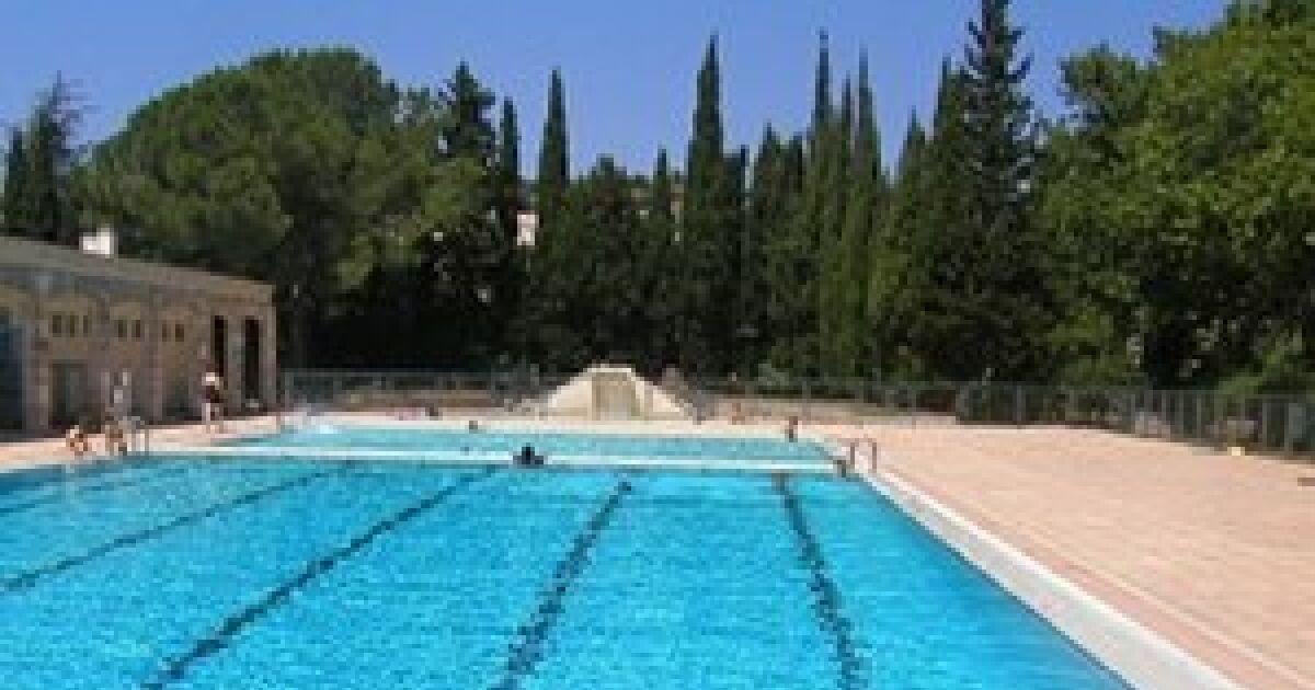 Piscine maussane les alpilles horaires tarifs et for Tarif piscine du rhone