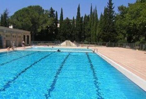 Piscine maussane les alpilles horaires tarifs et for Beaucaire piscine