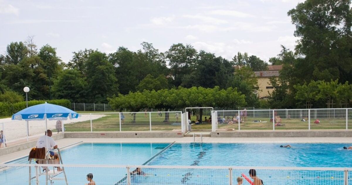 Piscine saint lys horaires tarifs et photos guide for Piscine saintes horaires