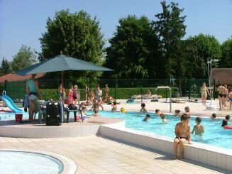 La piscine communautaire à Varennes sur Allier