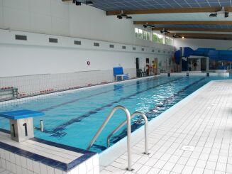 Le grand bassin de natation de la piscine communautaire à Vireux-Wallerand