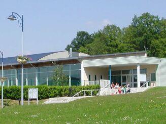 Piscine à Vireux-Wallerand, vue de l'extérieur