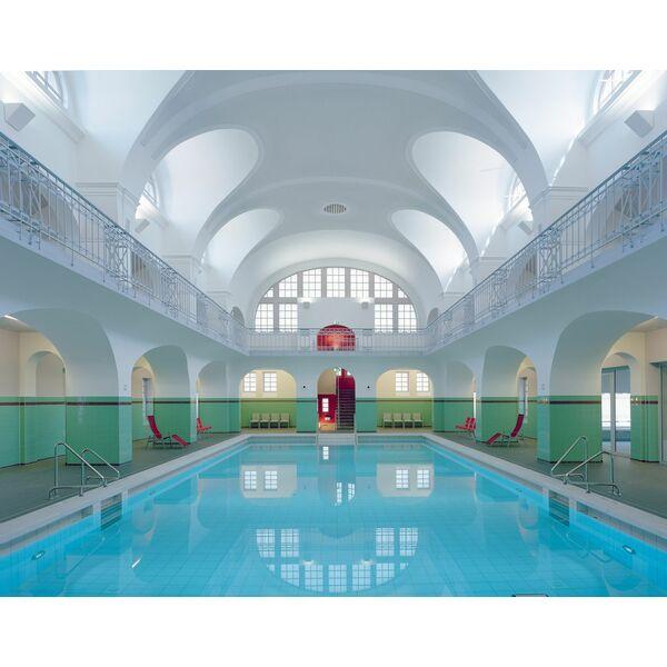 D couvrez cette piscine l ambiance si particuli re for Piscine ambiance