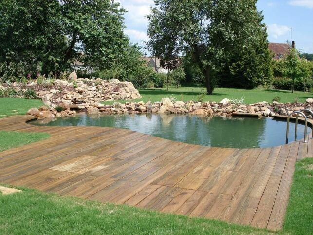 La zone de baignade est un emplacement stratégique de votre piscine.