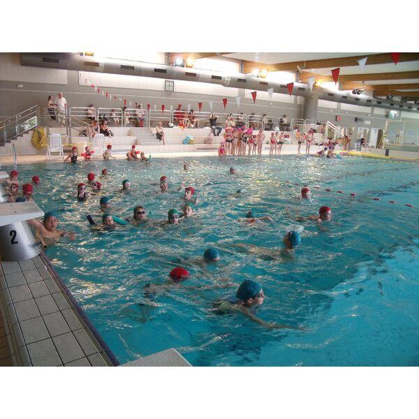 Piscine oc anide fontenay le comte horaires tarifs et for Club piscine laval centre de liquidation