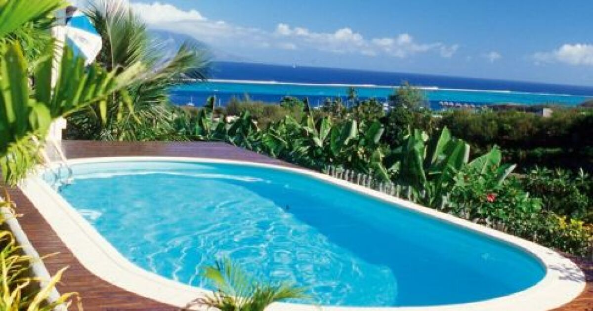 les plus belles piscines avec vue en photos admirez le paysage piscine olivia waterair. Black Bedroom Furniture Sets. Home Design Ideas