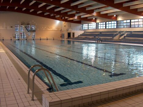 "Piscine couverte à Chalons en Champagne  <span class=""normal italic"">DR</span>"