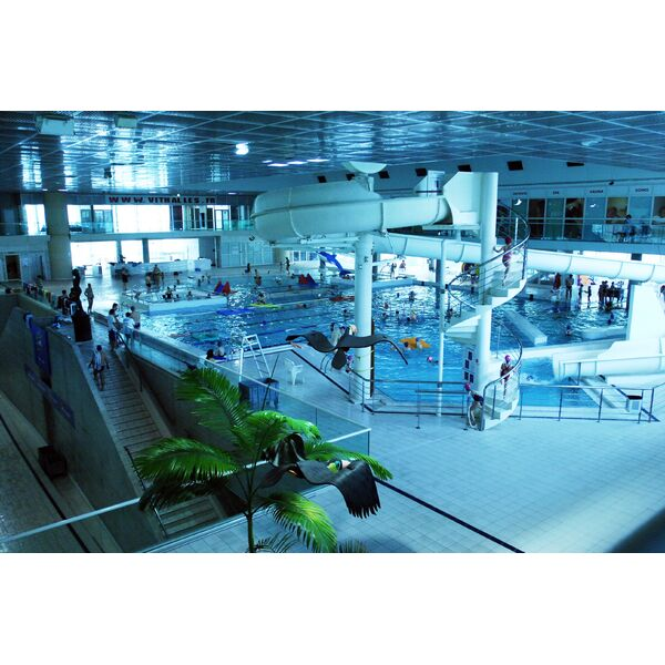 Piscine olympique d 39 antigone poa montpellier for Piscine jean taris
