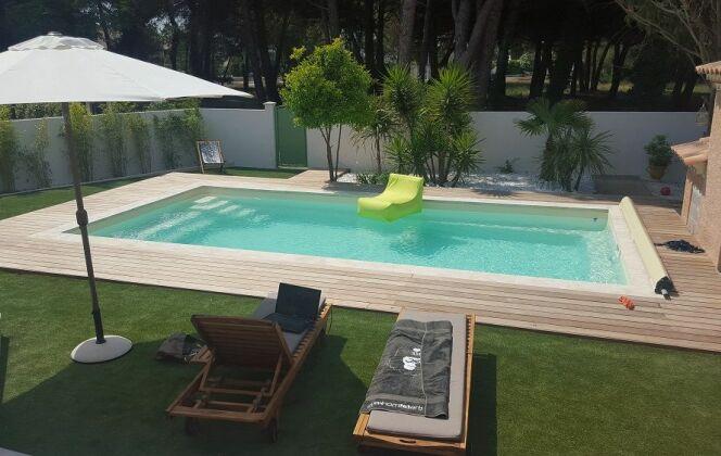 Modèle de piscine plaisance 800 © Piscines Groupe G.A