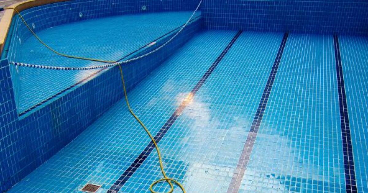 Piscine publique vidange et entretien des bassins for Piscine publique