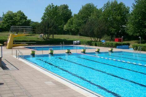 "Bassin sportif à Rebmeerbad, Bad Bergzabern<span class=""normal italic petit"">DR</span>"