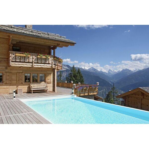 piscine rectangulaire au coeur des montagnes par carr bleu. Black Bedroom Furniture Sets. Home Design Ideas