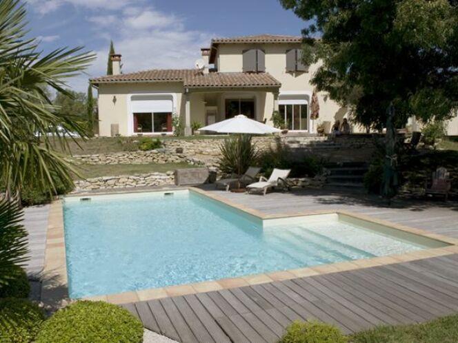 piscines marinal leurs plus belles r alisations piscine rectangulaire escalier droit photo 12. Black Bedroom Furniture Sets. Home Design Ideas