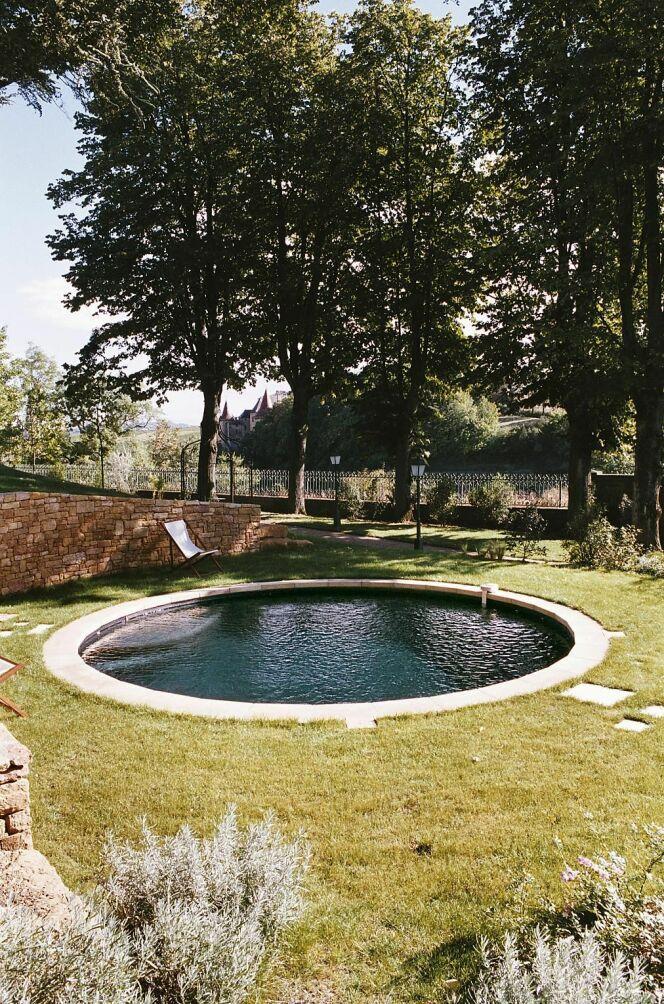 Reportage photos piscines rondes diaporama piscine - Piscine style bassin pierre argenteuil ...