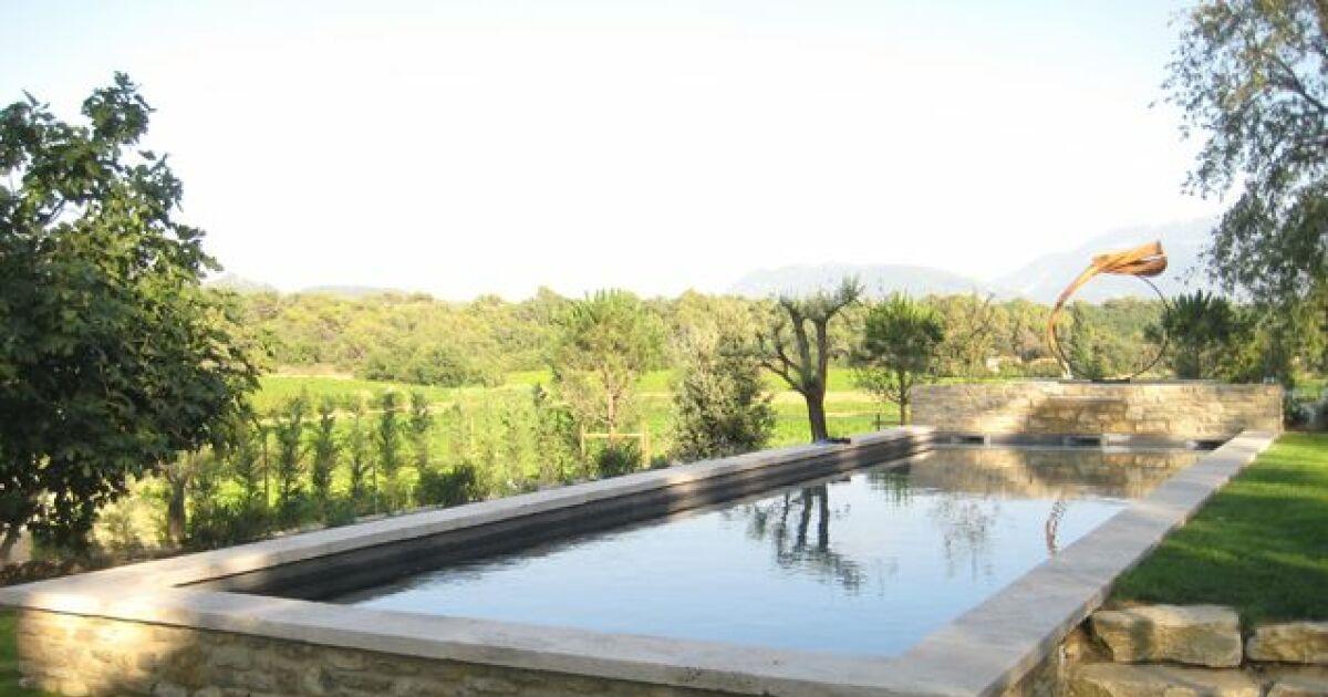photos de piscines semi enterr es piscine semi enterr e en b ton par marinal. Black Bedroom Furniture Sets. Home Design Ideas