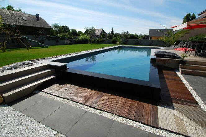 photos de piscines semi enterr es piscine semi enterr e par l 39 esprit piscine photo 9. Black Bedroom Furniture Sets. Home Design Ideas