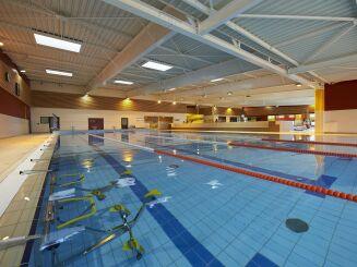 Piscine Spadium à Lesneven : le bassin sportif avec les vélos d'aquabike