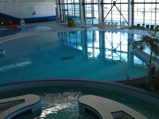 Le bassin de loisirs du Spadiumparc de Brest