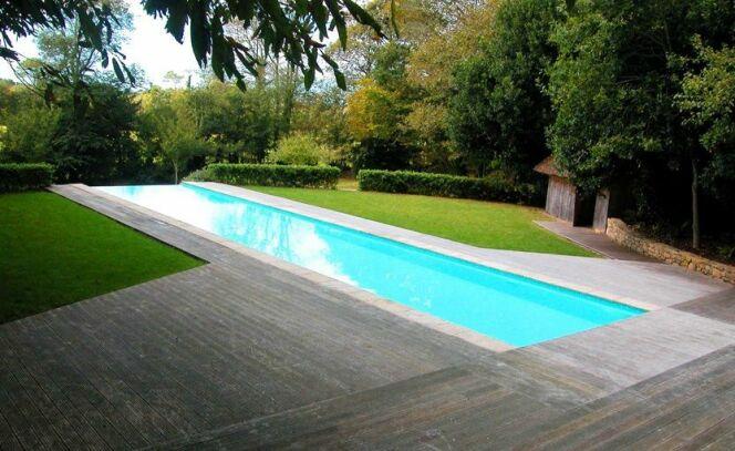 """Piscine sportive : quelle longueur de piscine pour nager ?<span class=""""normal italic petit"""">© L'Esprit Piscine</span>"""