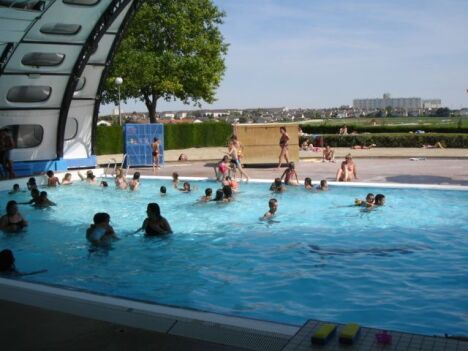 Piscine tournesol fagni res horaires tarifs et t l phone for Piscine tournesol