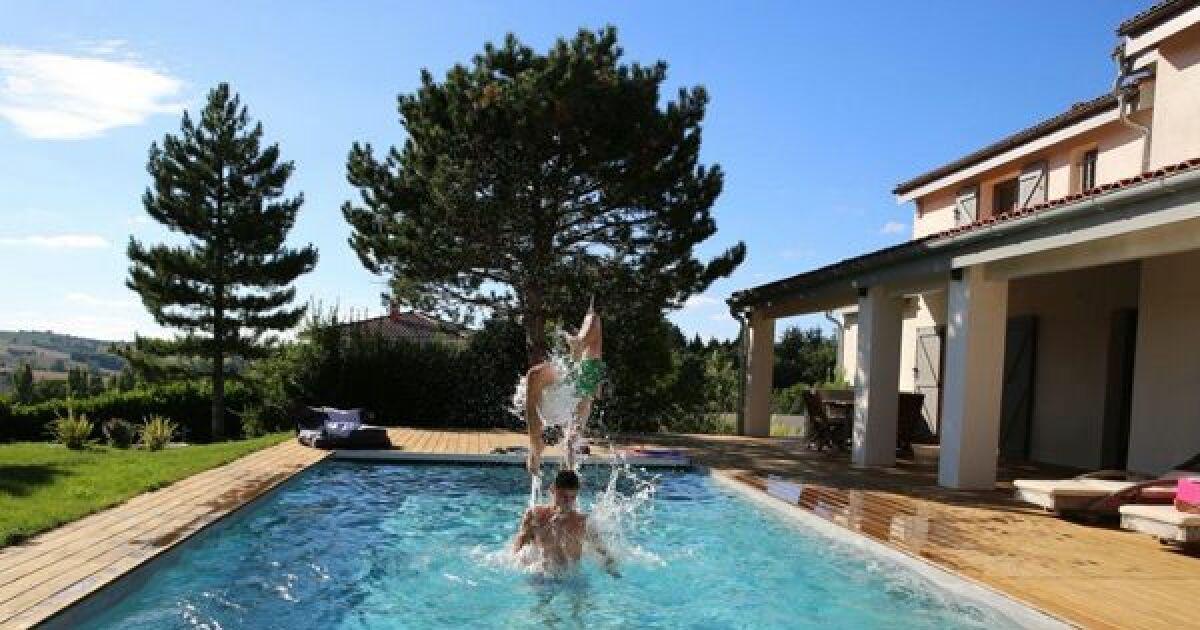 Piscines familiales en photos les plaisirs de l 39 eau pour for Piscine traditionnelle