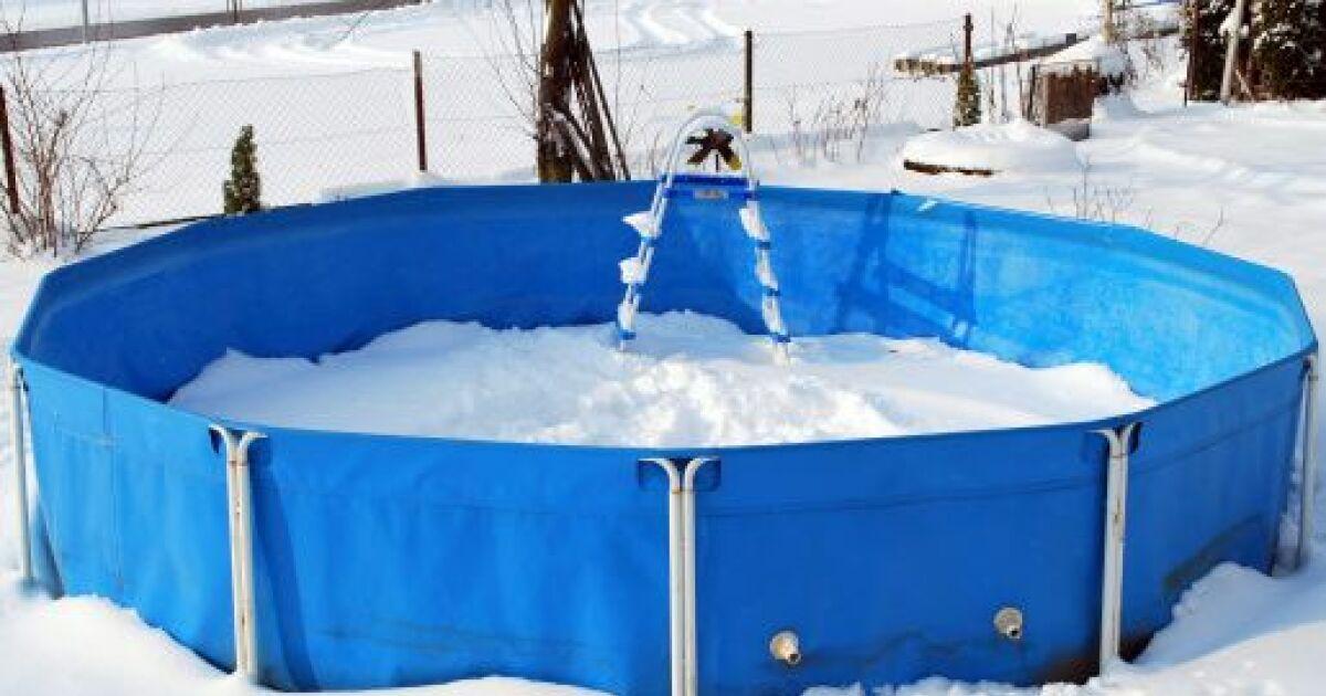 Peut on laisser une piscine tubulaire dehors en hiver for Pompe d evacuation d eau pour couverture piscine hors sol