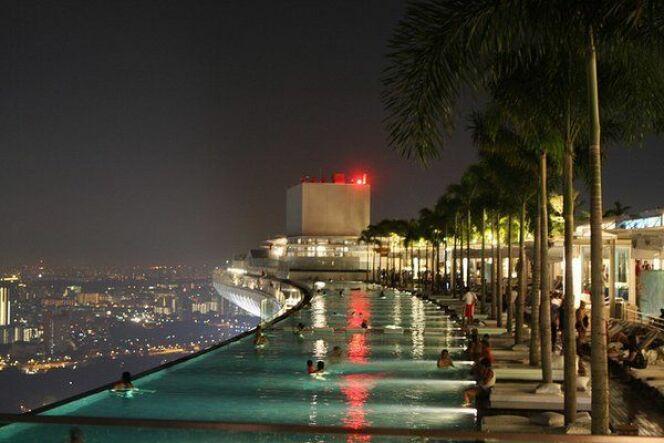 Piscine vertigineuse de l'hôtel Marina Bay Sands (Singapour)© green_kermit