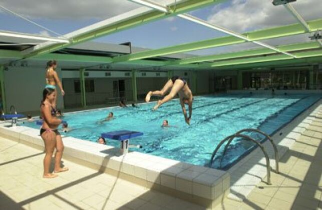 La piscine d'Oissel en été