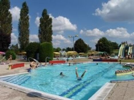Horaires de piscine les cascades 01600 tr voux pictures to for Horaire piscine herblay