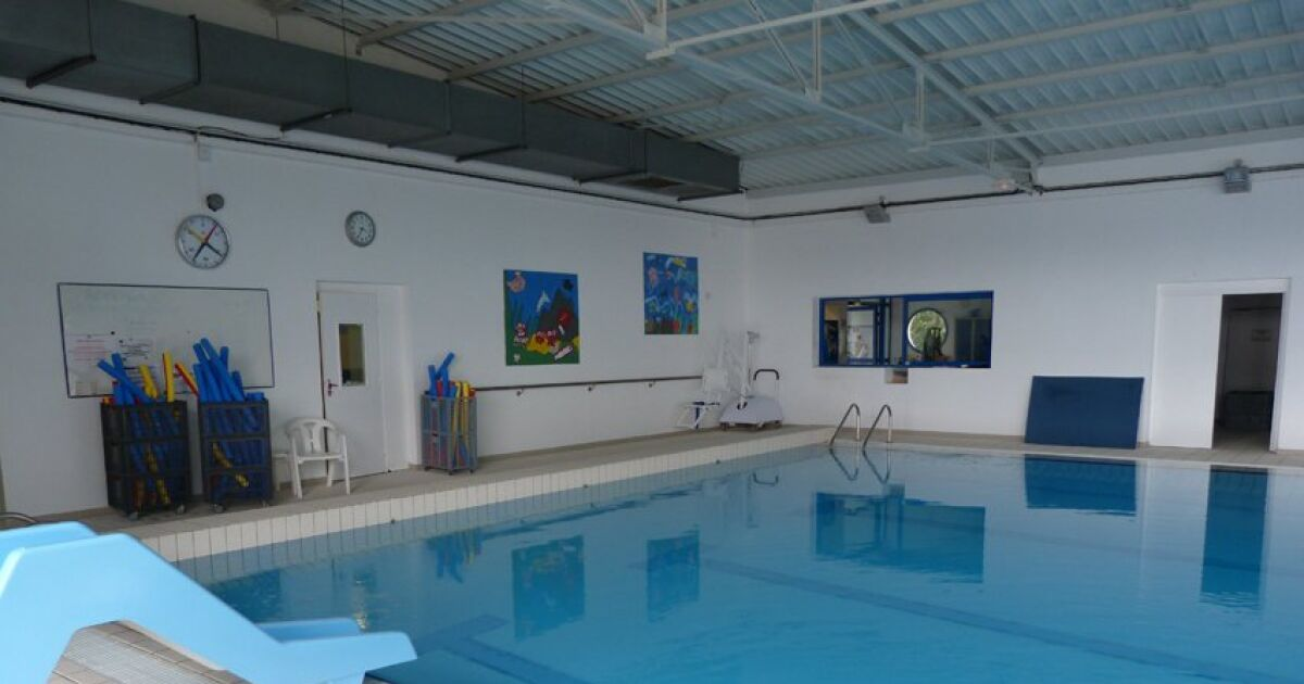 Avis et commentaires piscine saint varent poitou for Piscine a poitiers