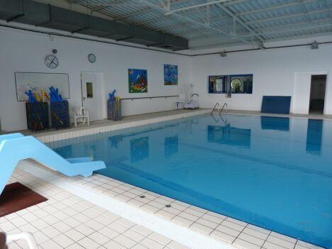 Piscine saint varent horaires tarifs et photos for Temperature ideale piscine