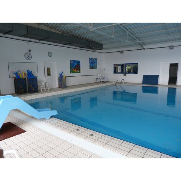 Piscine saint varent horaires tarifs et photos for Piscine saintes horaires