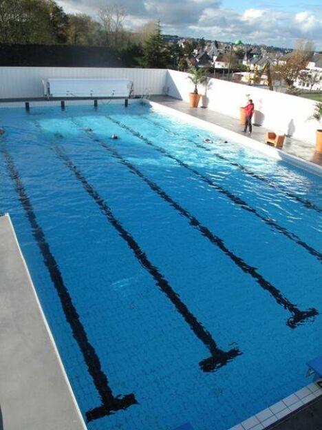 Piscine aqua forme ergue gaberic horaires tarifs et for Horaire piscine vertou