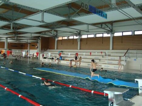 "Piscine Aquanoblat : le grand bassin  <span class=""normal italic"">DR</span>"