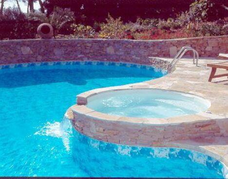 piscine panneaux avec spa