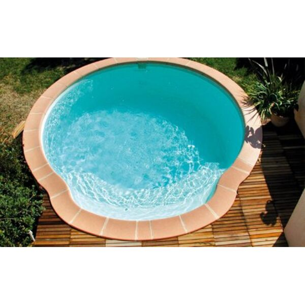 Piscine coque polyester nacre fond plat alliance piscines for Coque piscine polyester