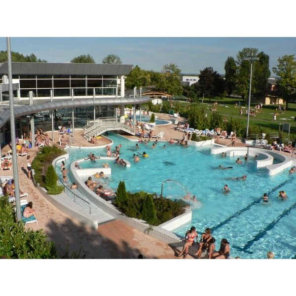 Piscine de rixheim habsheim centre nautique le napol on for Spa piscine ile de france