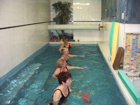 Piscine ecole saint gauderique perpignan horaires tarifs et t l phone - Bassin piscine inox perpignan ...