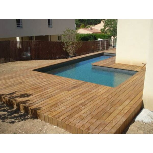 Piscine en bois sur mesure bluewood for Petite piscine enterree