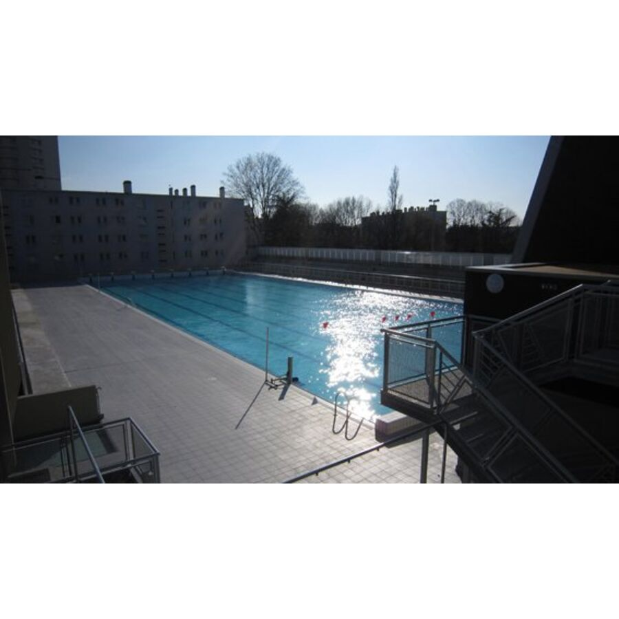 Stade nautique youri gagarine piscine villejuif for Piscine kremlin bicetre