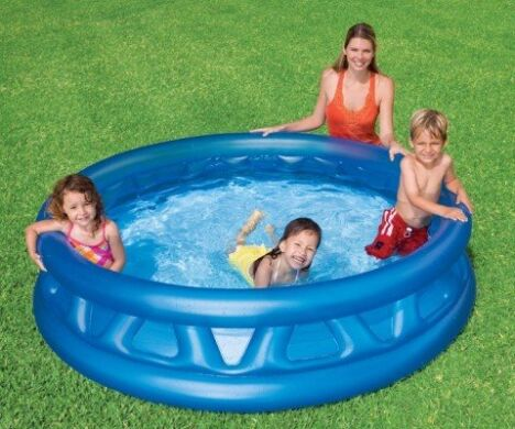 "Piscine gonflable Jumbo Soft  <span class=""normal italic petit"">© Intex</span>"
