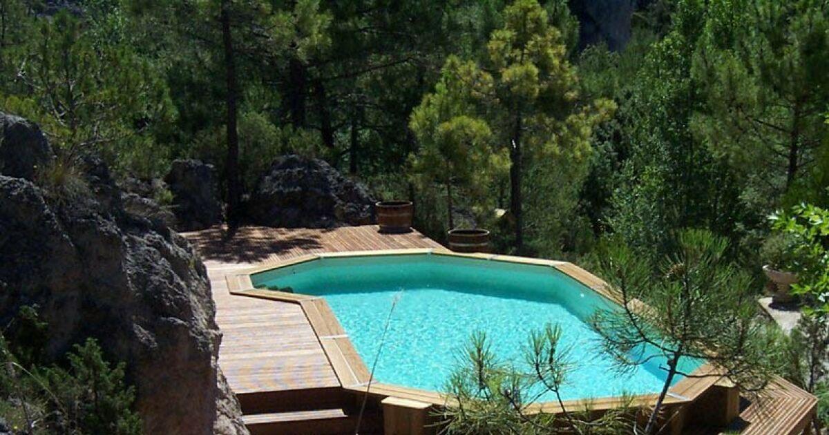 les plus belles photos de piscines bois hors sol semi enterr e ou enterr e piscine en bois. Black Bedroom Furniture Sets. Home Design Ideas