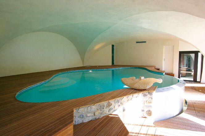 Photos des plus belles piscines int rieures pour nager toute l 39 ann e la - Mini piscine interieure ...