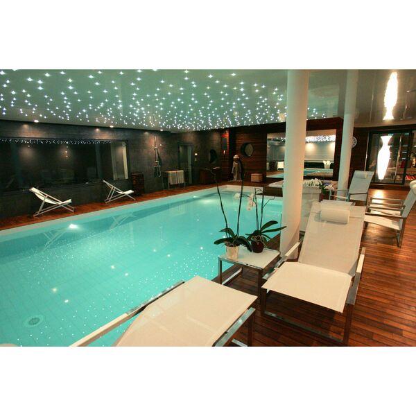 La piscine int rieure par l 39 esprit piscine for Piscine d interieur miroir
