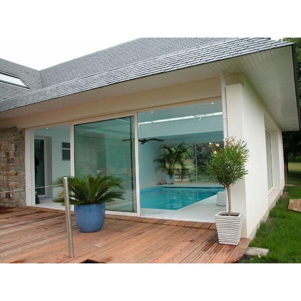 La piscine int rieure par l 39 esprit piscine for Piscine avec terrasse en bois