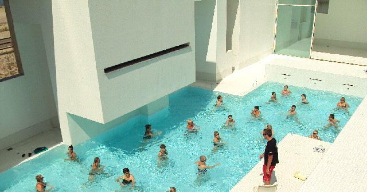 Avis et commentaires piscine les bains des docks au for Piscine haute normandie
